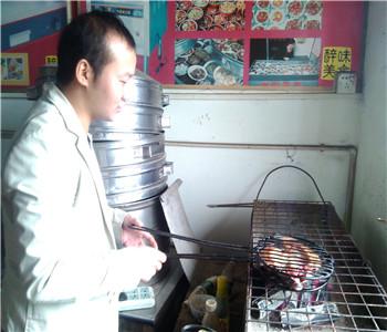 诸葛烤鱼技术培训,烤活鱼加盟,万州烤鱼培训,烤鱼怎么做