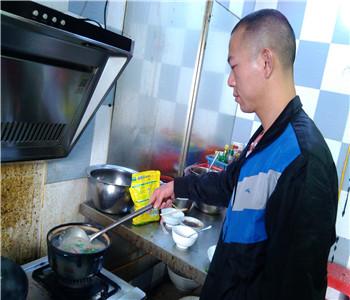 正宗潮州砂锅粥技术哪里学好,学砂锅粥配方哪里有,砂锅粥培训
