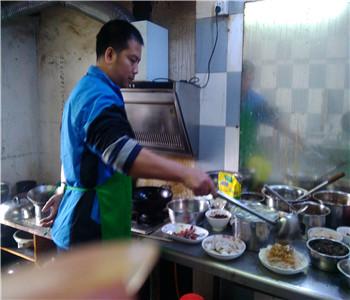 学习火锅技术到哪里好,东莞重庆火锅培训,火锅配方哪里学