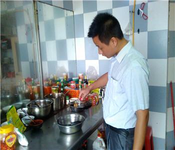柳叶石锅鱼配方哪里学,石锅鱼技术培训,石锅鱼怎么做