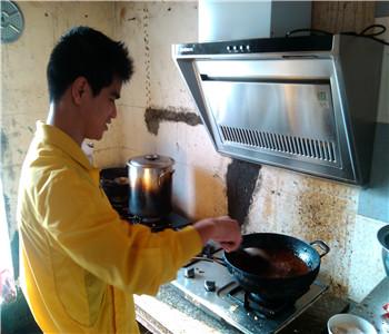 东莞麻辣烫培训,重庆麻辣烫技术哪里学,砂锅菜怎么做