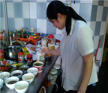 南北面食技术培训,牛腩面技术哪里学,三鲜面怎么做,炸酱面做法