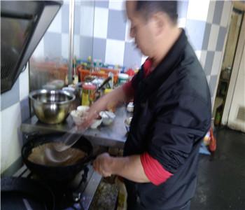 湘味木桶饭培训,木桶饭技术哪里学好,木桶饭怎么做