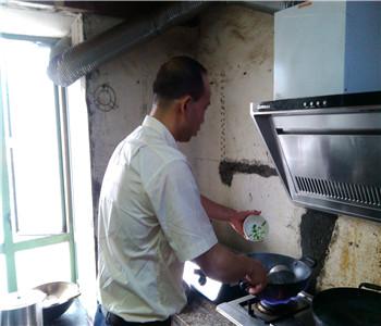 木桶饭配方培训,东莞木桶饭技术哪里,湘味木桶饭加盟
