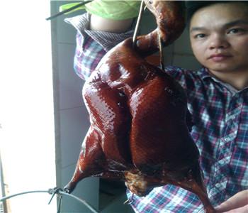 哪里有广式烧鸭技术培训,脆皮烧鸭配方哪里学好,烤鸭做法