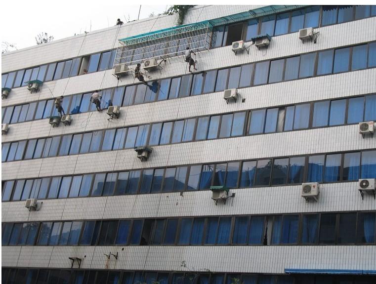 专业外墙清洗·锂合金门窗清洗工程