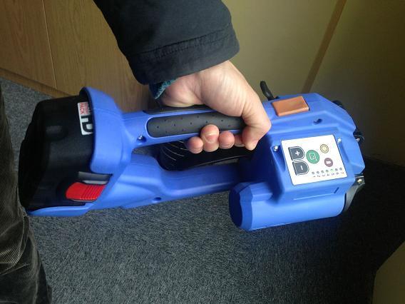 PET塑钢带电动免扣打包机