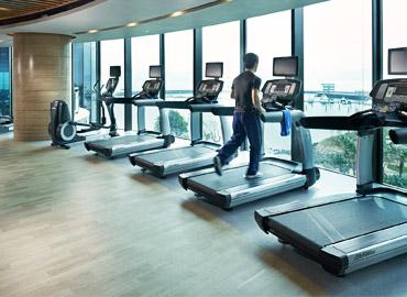 健身房热水用欧麦朗空气能热水器节能更省电