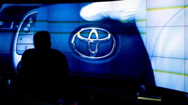丰田明年将增加电动,插电式混合动力车